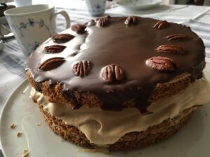 Walnuss-Makronen-Torte